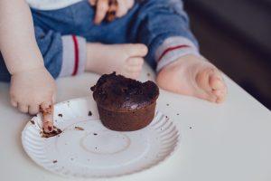 子供とケーキ
